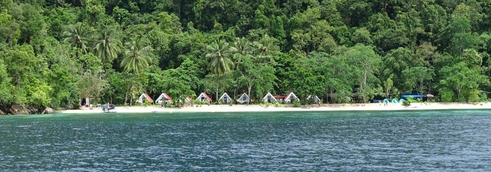 Labengki Beach huts