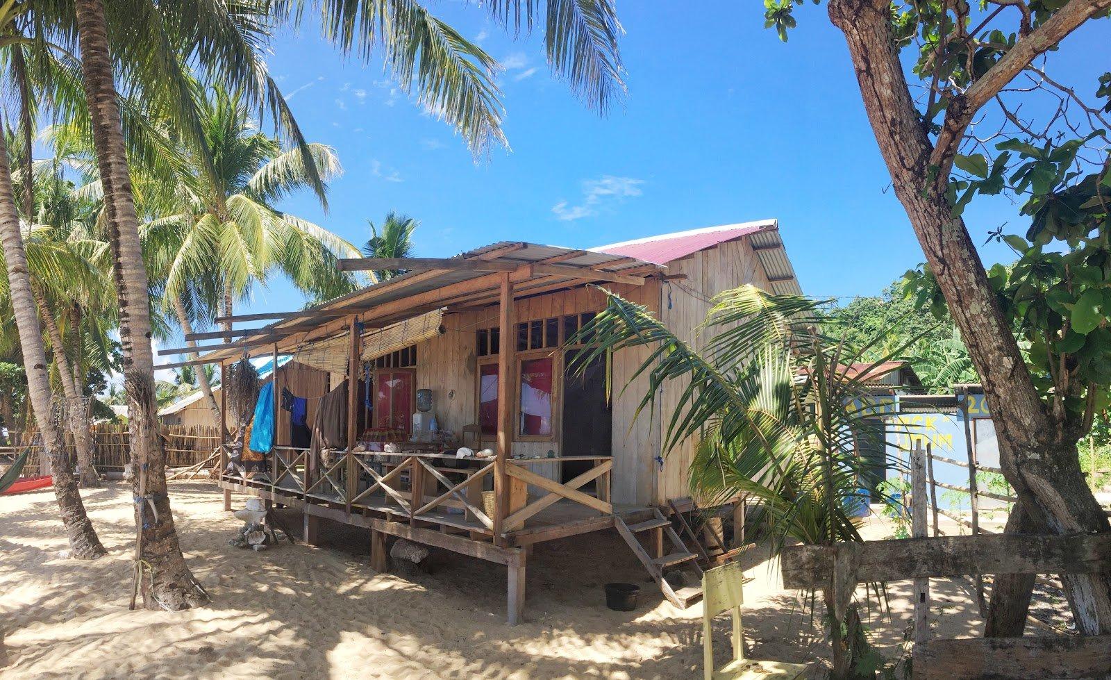Naira dive resort