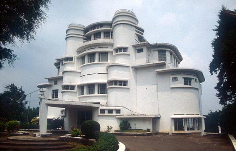 Villa Isola, Bandoeng