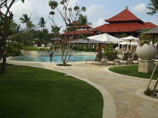 HOLIDAYI - Hotel