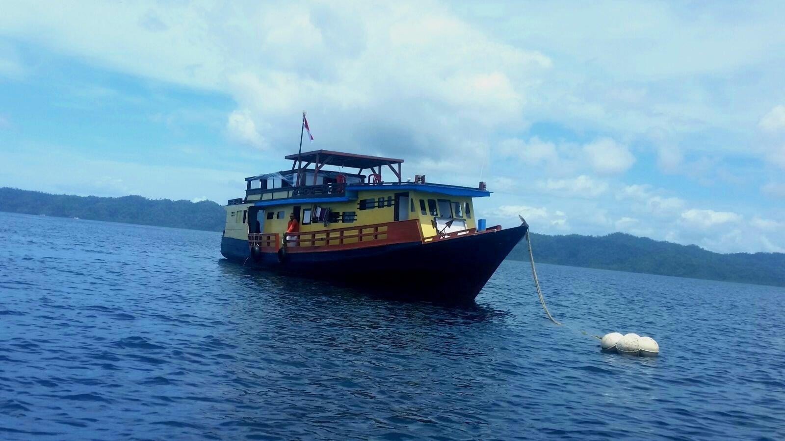 Raja Ampat Adventures schoner