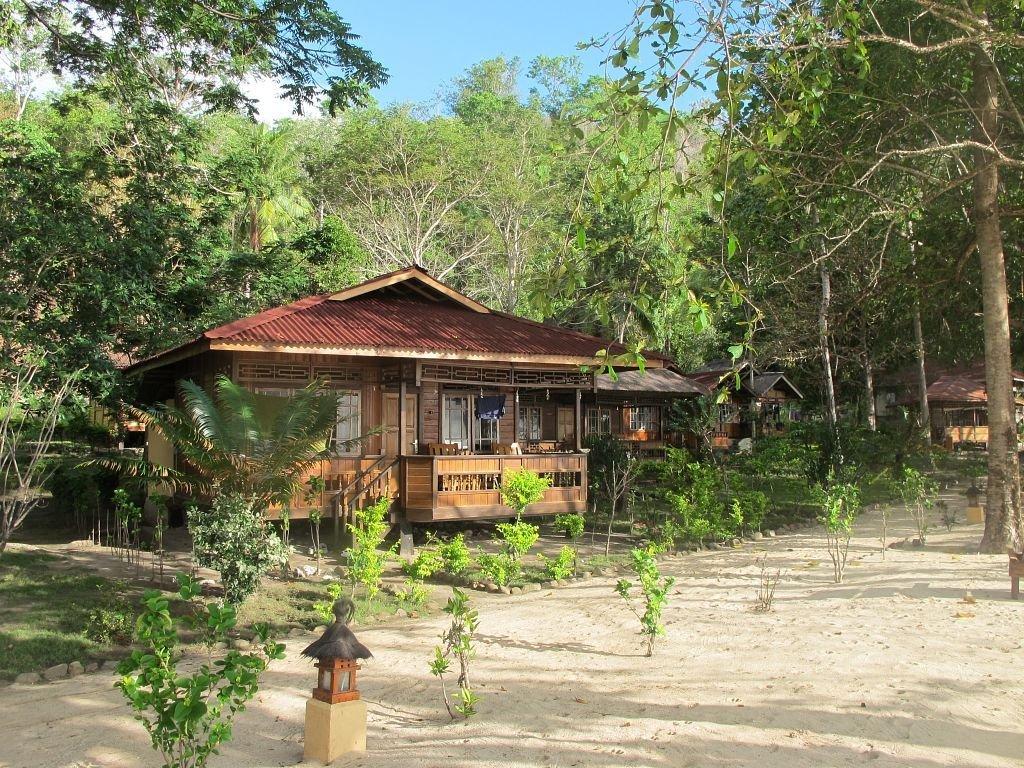 Pulisan jungle beach resort